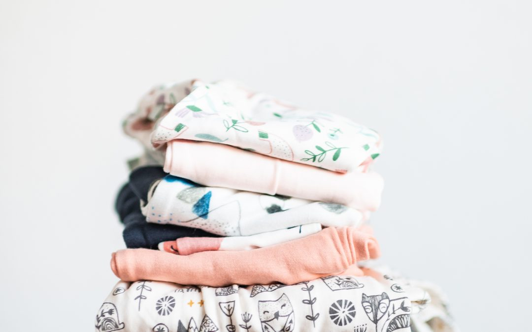 How to fold your t-shirts, thin tops and fine sweaters